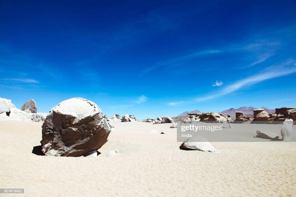 Sur Lipez or Sud Lipez Province, Altiplano of Bolivia, 2011: landscape of the Ciloli Desert with the Arbol de Piedra ('stone tree'), an isolated rock formation.