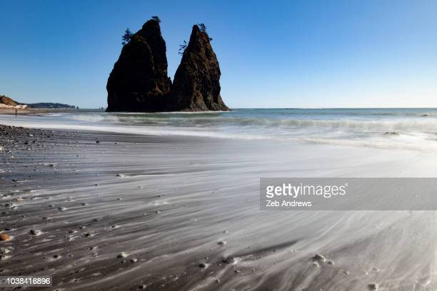 surf and seastacks on the washington coastline - rialto beach stock photos and pictures