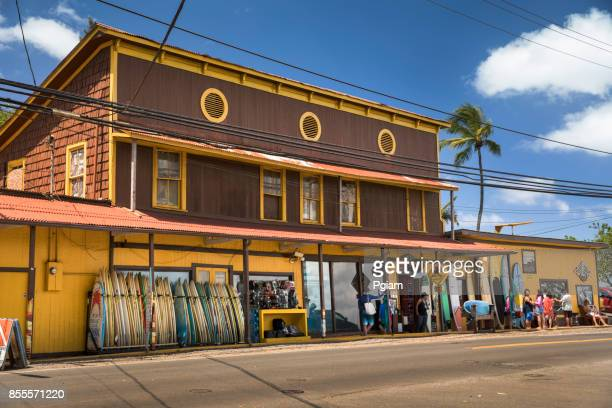 surf store in haleiwa north shore oahu hawaii usa - waimea bay hawaii stock photos and pictures