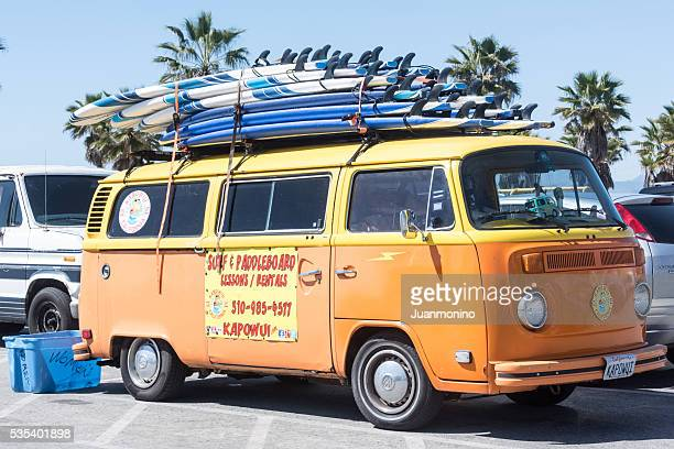 surf vw vintage minivan - 1960s classroom stock pictures, royalty-free photos & images