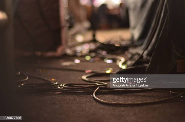 surface level of cable on floor - backstage stock pictures, royalty-free photos & images