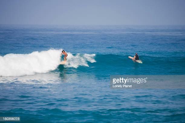surfer at kahalu'u beach park, kailua kona. - kailua beach stock photos and pictures
