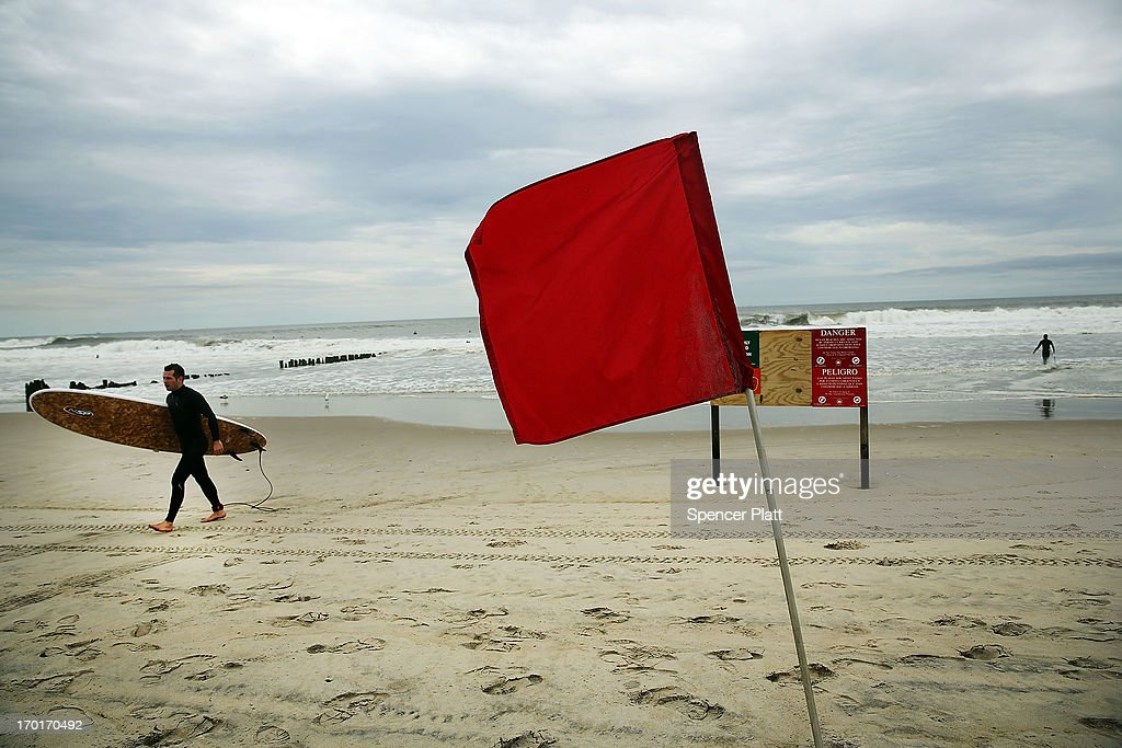 Stormy Weather Brings Increased Surf To Rockaways : News Photo