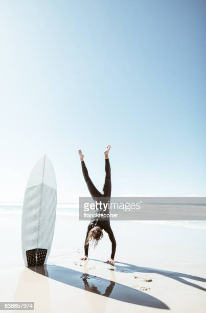 surfer have fun on the beach in australia - gold coast stock pictures, royalty-free photos & images