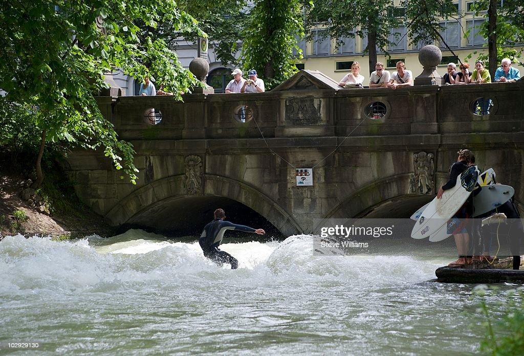 Surfing In Munich : News Photo