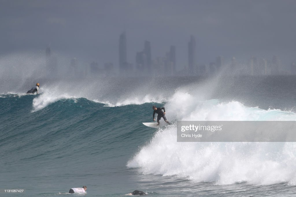 AUS: Huge Swells Hit Gold Coast Beaches As Cyclone Oma Approaches Queensland
