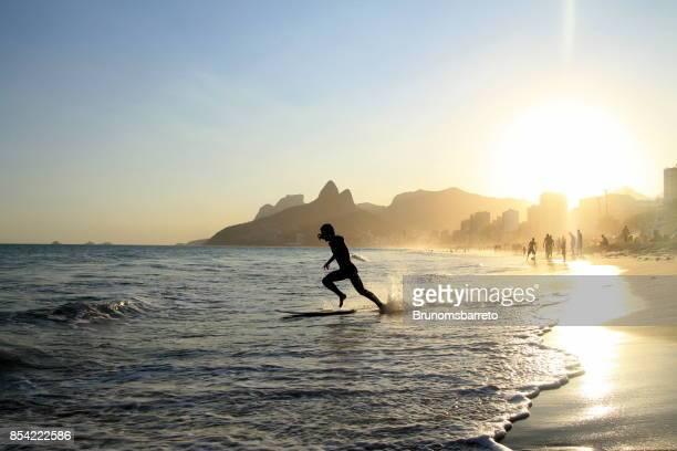 surfista de corrida - rio de janeiro - fotografias e filmes do acervo