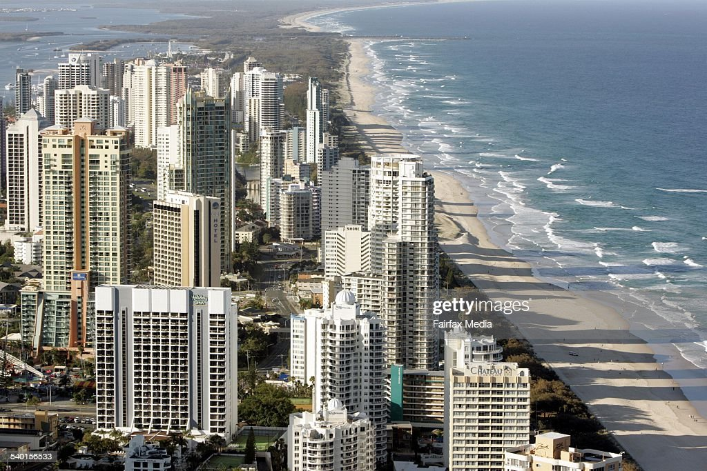 Surfers Paradise, Gold Coast, 17 December 2006. AFR Picture by PHIL CARRICK : News Photo