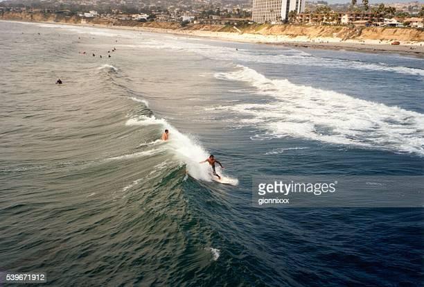 Surfen in Pacific beach, Kalifornien