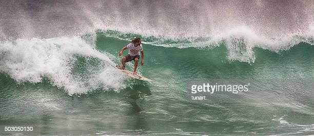 surf en weligama, sri lanka - editorial fotografías e imágenes de stock