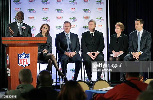 US Surgeon General Dr David Satcher speaks as Gen YOUth Foundation CEO Alexis Glick NFL Commissioner Roger Goodell US Secretary of Agriculture Tom...