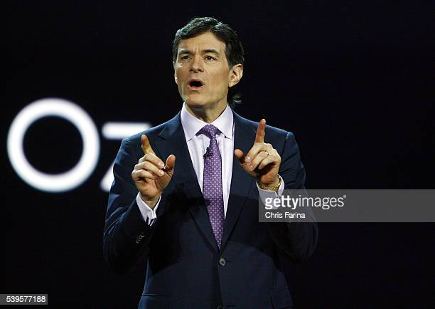 Surgeon Mehmet Oz makes an appearance during the keynote address of Sir Howard StringerChairman and CEO of Sony Corporation at the 2009 International...