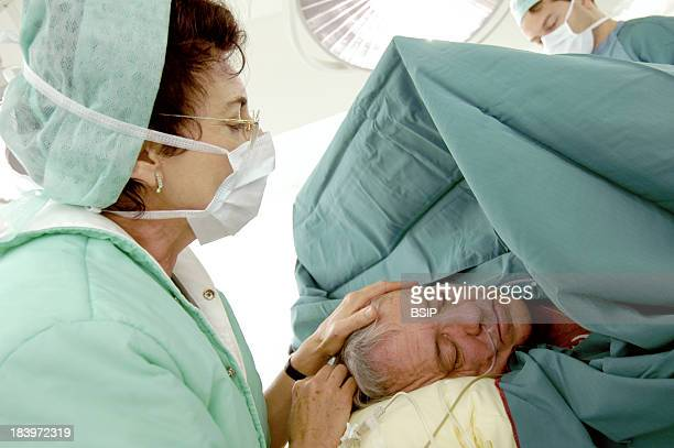 Surgery Hypnosis Doctor MarieElisabeth Faymonville Anesthesiologist At University Hospital Center Of Liege In Belgiumn Performing Hypnosis As An...