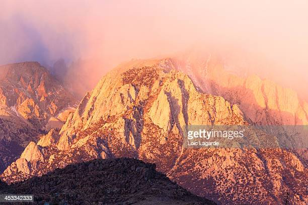 surnise on mount whitney - lagarde stock pictures, royalty-free photos & images