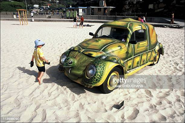 Surprising «Sculptures by the Sea» in Bondi in Sydney Australia in November 2002Tori Tortoise by Zoran Kristic Fastus tortuse why walk when you can...