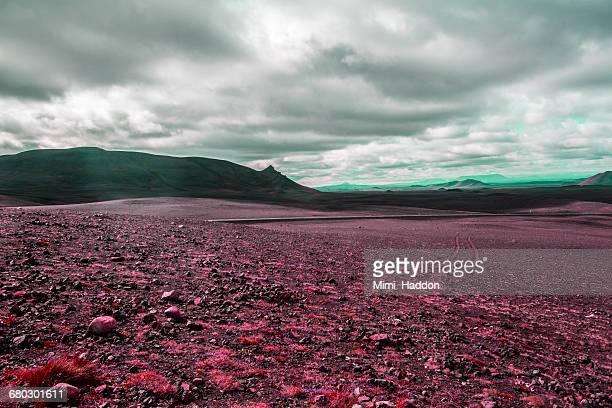 surreal volcanic landscape in iceland - pianura foto e immagini stock