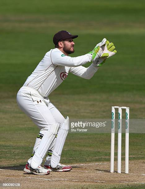 Surrey wicketkeeper Steven Davies in action during day 4 of the Specsavers Division One county championship match between Warwickshire and Surrey at...