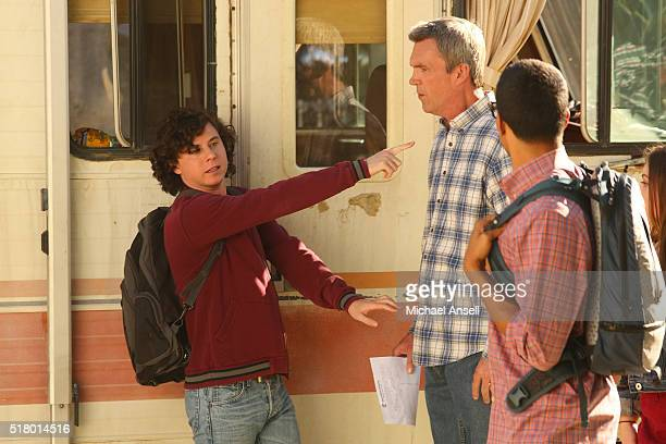 THE MIDDLE 'Survey Says' Frankie is thrilled when Sue invites her for lunch at the college But lunch becomes awkward when Sue brings her new...
