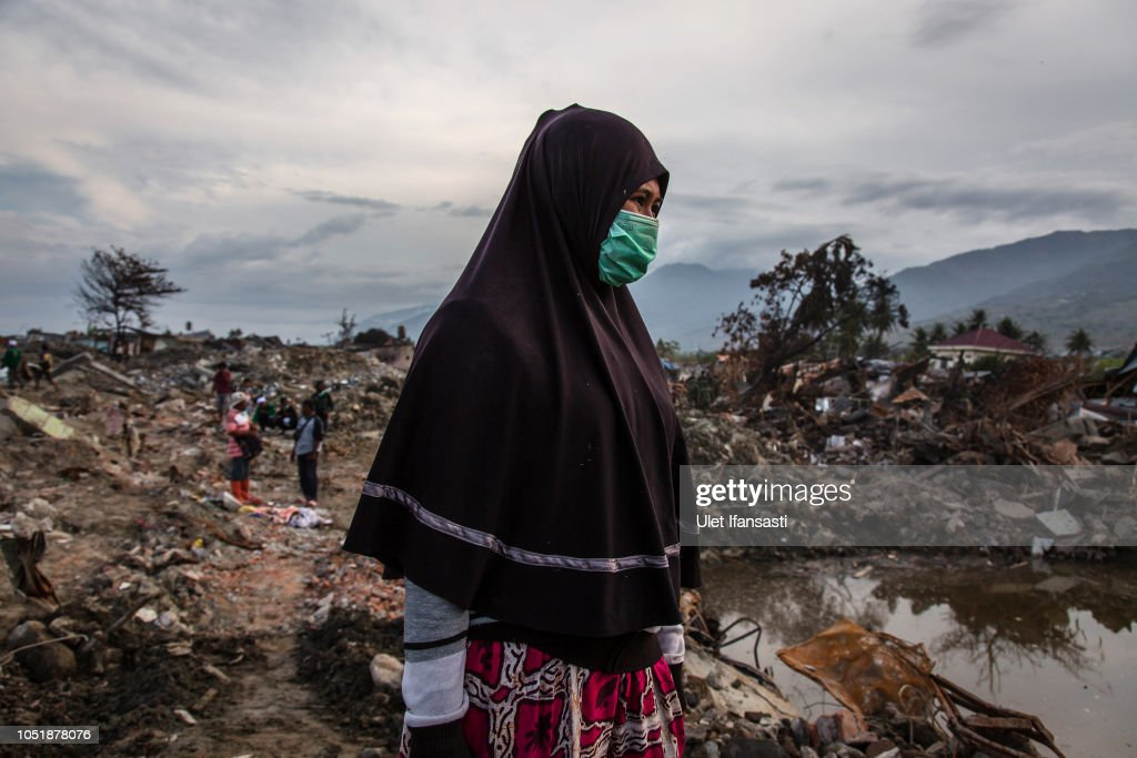 Deadly Earthquake and Tsunami Hits Indonesia's Island of Sulawesi : News Photo