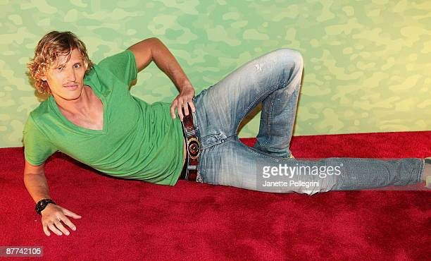 Survivor Tyson Apostol attends the Survivor Tocantins The Brazilian Highlands finale at the Ed Sullivan Theater on May 17 2009 in New York City