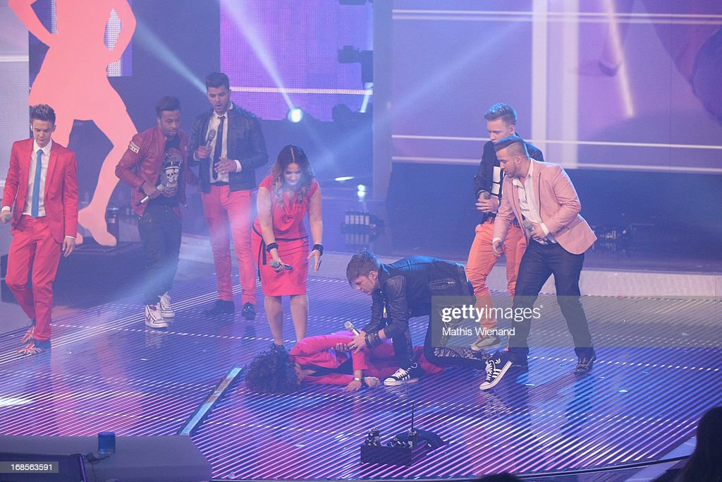 Susan Albers collapses on stage while performing at the 'Deutschland sucht den Superstar' Finals on May 11, 2013 in Cologne, Germany.