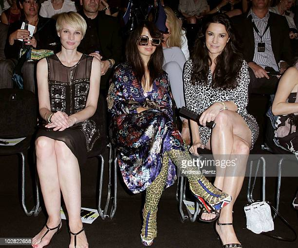 EDITORS NOTE This picture is embargoed for any usage until 10 July 2010 10 pm Susan Atwell Aura Dione and Countess Mariella Faber Castell pose during...
