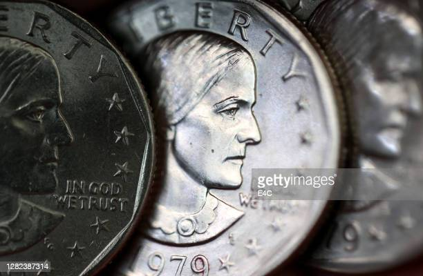 susan b. anthony one dollar coins - susan b anthony stock pictures, royalty-free photos & images