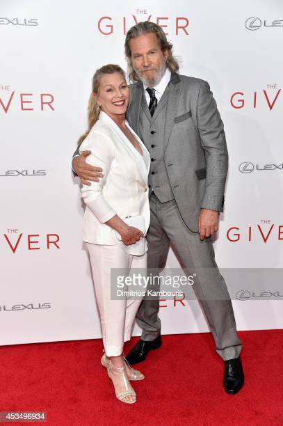Susan Bridges and Jeff Bridges attend 'The Giver' premiere at Ziegfeld Theater on August 11 2014 in New York City