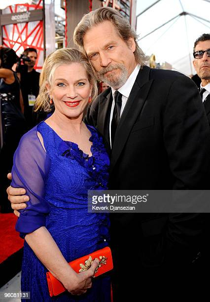 Susan Geston and actor Jeff Bridges arrive at the 16th Annual Screen Actors Guild Awards held at the Shrine Auditorium on January 23 2010 in Los...