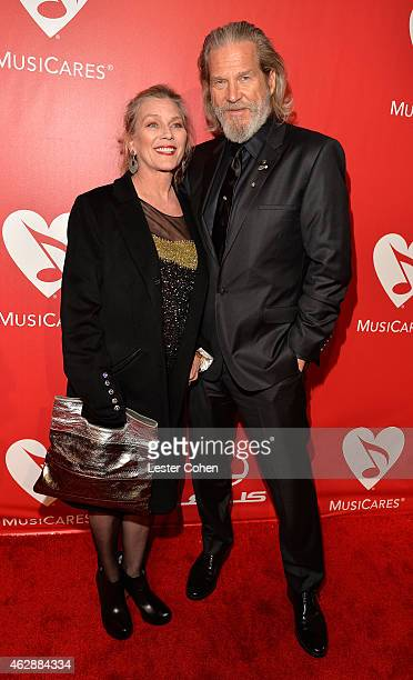 Susan Geston and actor Jeff Bridges attend the 25th anniversary MusiCares 2015 Person Of The Year Gala honoring Bob Dylan at the Los Angeles...