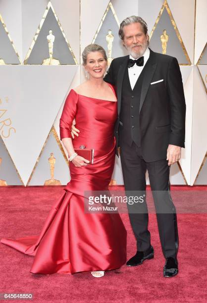 Susan Geston and actor Jeff Bridges attend the 89th Annual Academy Awards at Hollywood Highland Center on February 26 2017 in Hollywood California
