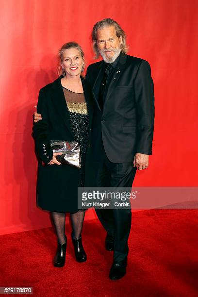 Susan Geston Jeff Bridges 2015 MusiCares Person of the Year Gala honoring Bob Dylan Los Angeles CA February 06 2015 ��Kurt Krieger