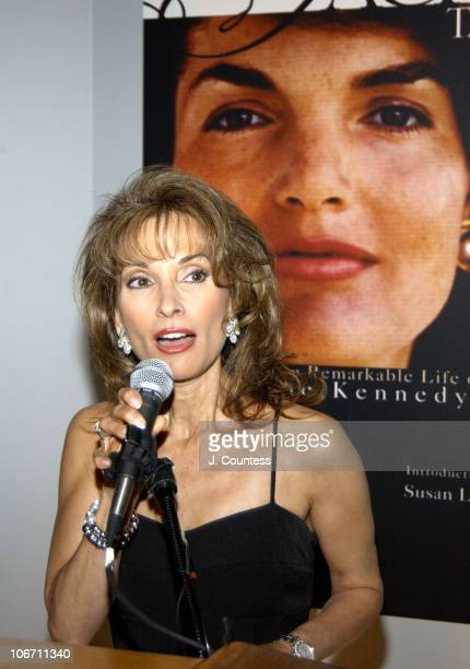 Susan Lucci recipient of the Lessons In Living Men Marriage and Motherhood Award speaks during the awards segment