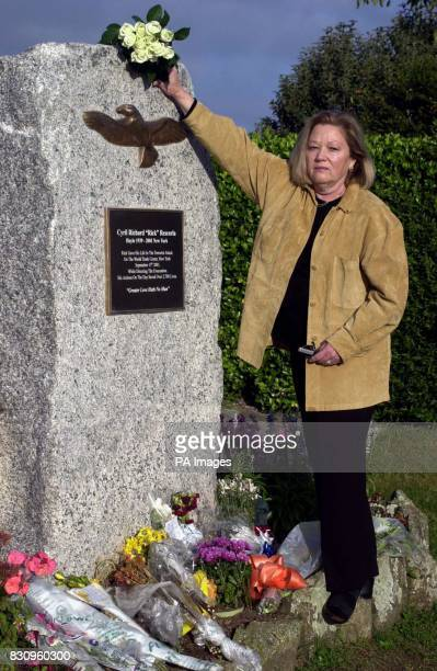 Susan Rescorla widow of Rick Rescorla who died in the terrorist attck on the World Trade Centre on September 11 lays white roses at a memorial to her...