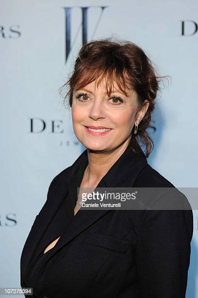 Susan Sarandon attends a dinner hosted by W magazine and De Beers in celebration of Art Basel Miami at Soho Beach House on December 2 2010 in Miami...