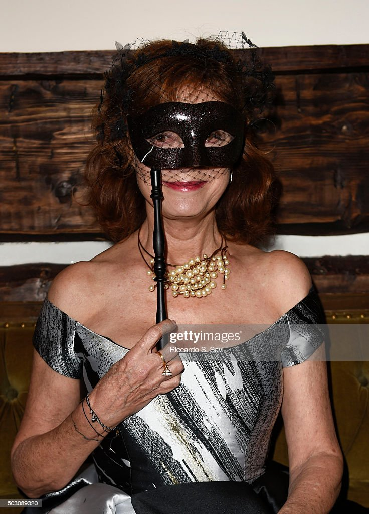 New Year's Eve Midnight Masquerade Benefiting Artists For Peace And Justice