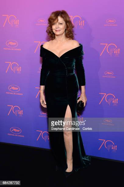 Susan Sarandon attends the Opening Gala dinner during the 70th annual Cannes Film Festival at Palais des Festivals on May 17 2017 in Cannes France