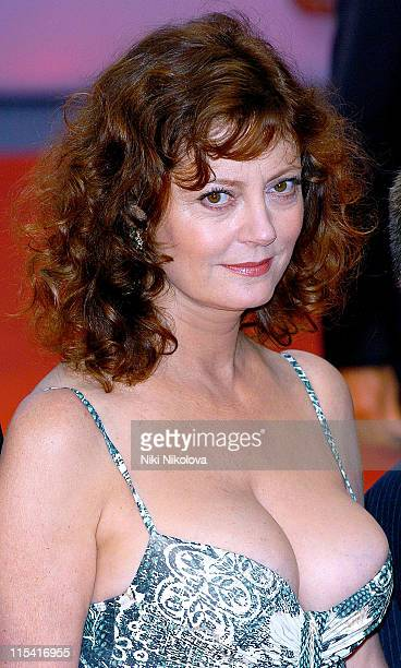 Susan Sarandon during 2005 Venice Film Festival 'Elizabethtown' Premiere at Palazzo del Cinema in Venice Italy