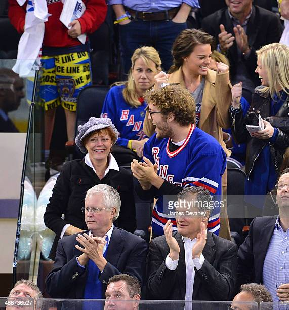 Susan Sarandon Jack Henry Robbins and Margot Robbie attend the Pittsburgh Penguins verse New York Rangers playoff game at Madison Square Garden on...