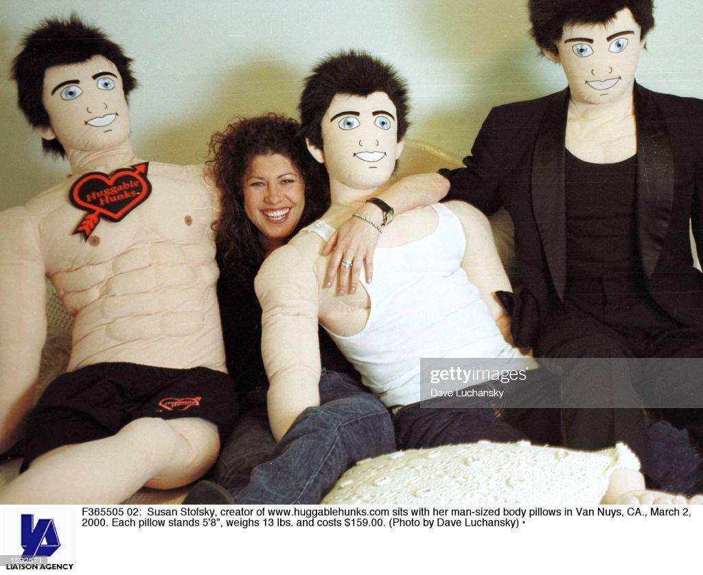 Man Sized Body Pillow : News Photo