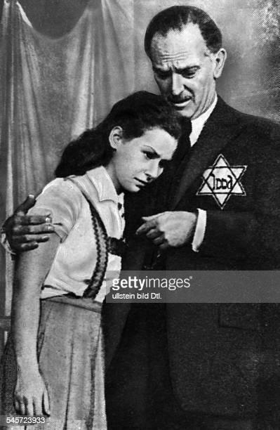 """Susan Strasberg*-+Schauspielerin USATochter von Lee-Strasbergmit Joseph Schildkraut in dem Theaterstück """"Das Tagebuch der Anne Frank"""" in einer..."""
