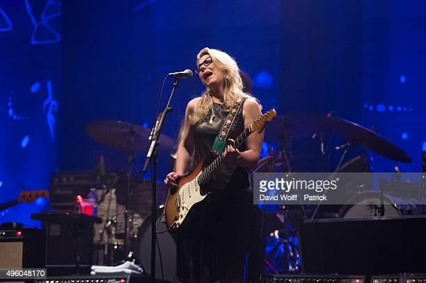 Susan Tedeschi from Tedeschi Trucks Band performs at Le Grand Rex on November 6 2015 in Paris France