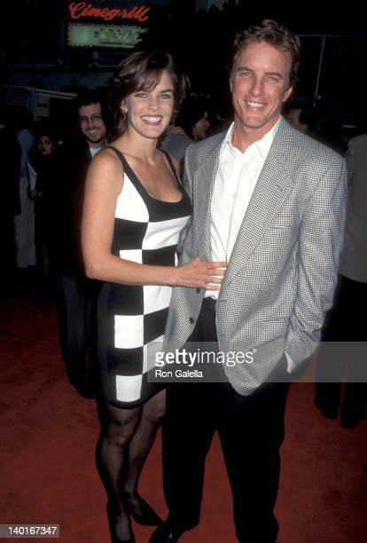 Susan Walters and Linden Ashby at the Premiere of 'Mortal Kombat', Mann's Chinese Theatre, Hollywood.