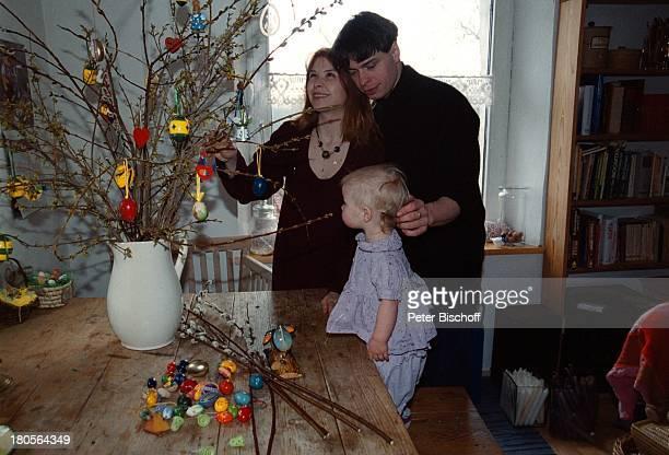 Susanna Wellenbrink Ehemann DanielRamsbott Tochter Mia Sophie RebeccaRobin Besuch bei Mutter MonikaWellenbrink Homestory Bayrischer WaldOsterdeko...