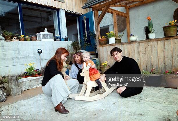 Susanna Wellenbrink Ehemann DanielRamsbott Tochter Mia Sophie RebeccaRobin Mutter Monika Wellenbrink Besuchbei Monika Wellenbrink HomestoryBauernhaus...