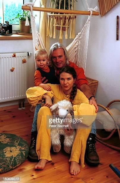 Susanna Wellenbrink Lebensgefährte Mike Toole Susannas Tochter Mia Wellenbrink Homestory Mühldorf/bei München Kinderzimmer Sitzmatte