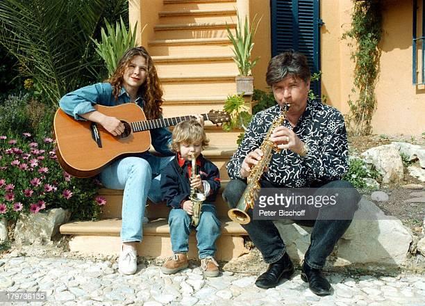 Susanna Wellenbrink mit Vater EgonWellenbrink und Bruder Nico HomestoryMallorca/Spanien Instrument