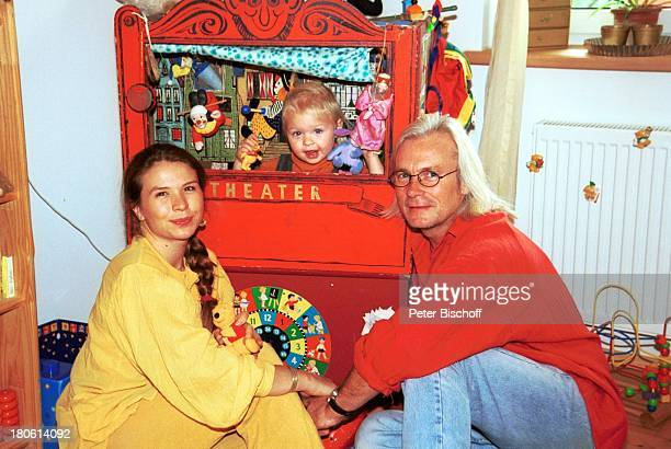 Susanna Wellenbrink Tochter Mia Wellenbrink Lebensgefährte Mike Tool Homestory Mühldorf/bei München Kinderzimmer KasperleTheater