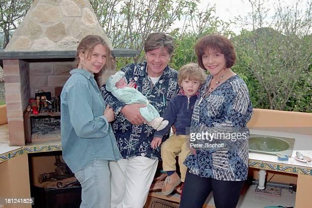 Susanna Wellenbrink Vater Egon Wellenbrink mit Tochter Clarissa Sohn Nico Ehefrau Lisa Mallorca Spanien Musiker Schauspieler Schauspielerin Homestory...