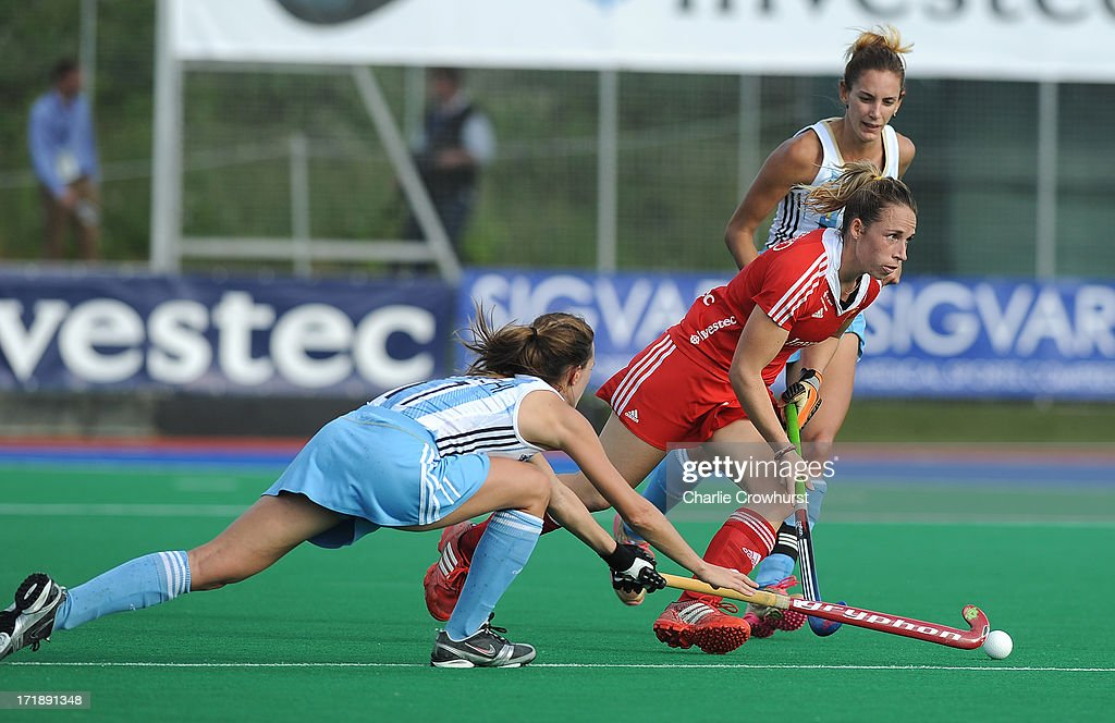 Susannah Townsend of England attacks during the Investec Hockey World League - Semi Finals match between Argentina and England at The University of Westminster Sports Ground on June 29, 2013 in London, England.